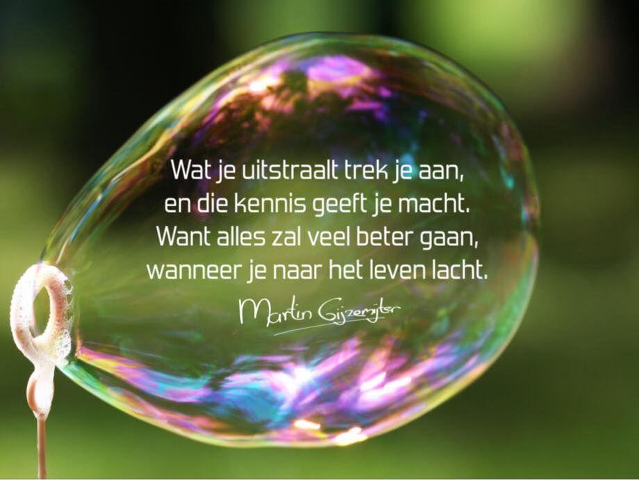 Gedichten - Martin Gijzemijter - dichtgedachte510 Wat je uitstraalt trek je aan…