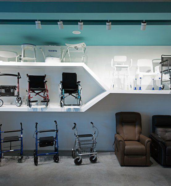 Pharmacie Orthopedie Retail Agencement Pharmacie Beauty Display Concept Materiel Medical Agencement Pharmacie Pharmacie Design Amenagement Maison