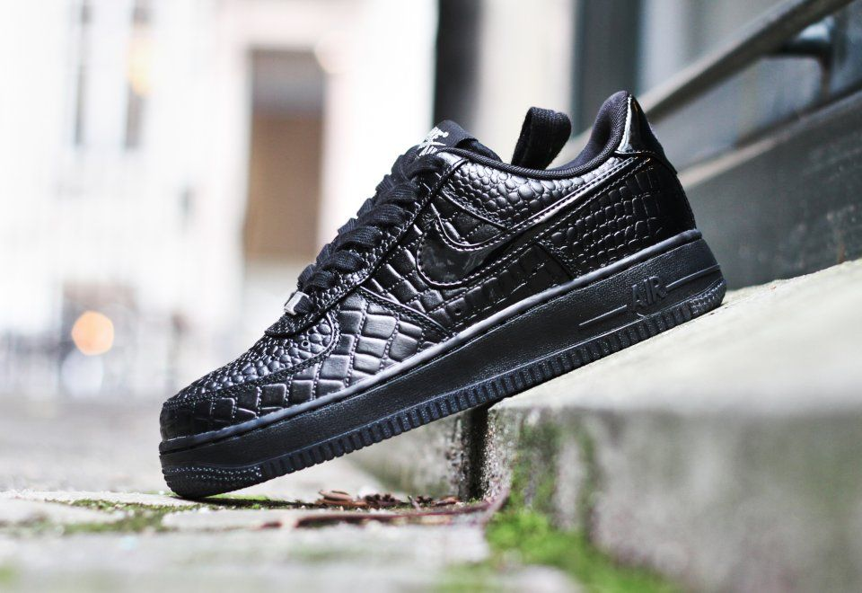 616725 002 nike wmns air force 1 07 prm 6 540x371