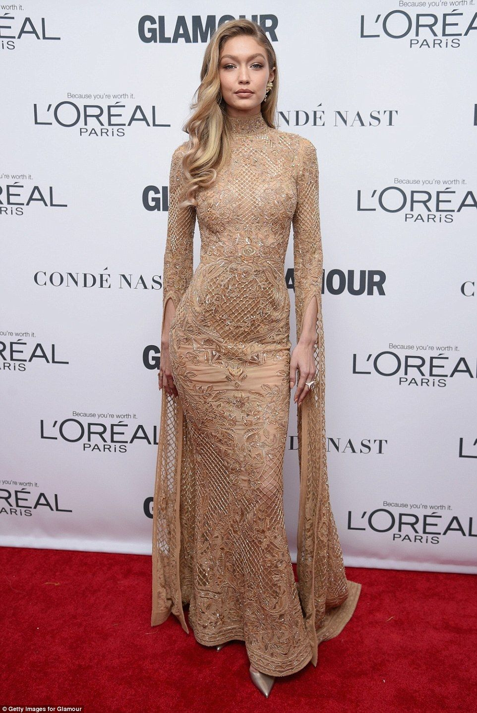 Gigi Hadid Dazzles In Glamorous Gold Gown As Sister Bella Fashion Gigi Hadid Style Nice Dresses [ 1437 x 962 Pixel ]