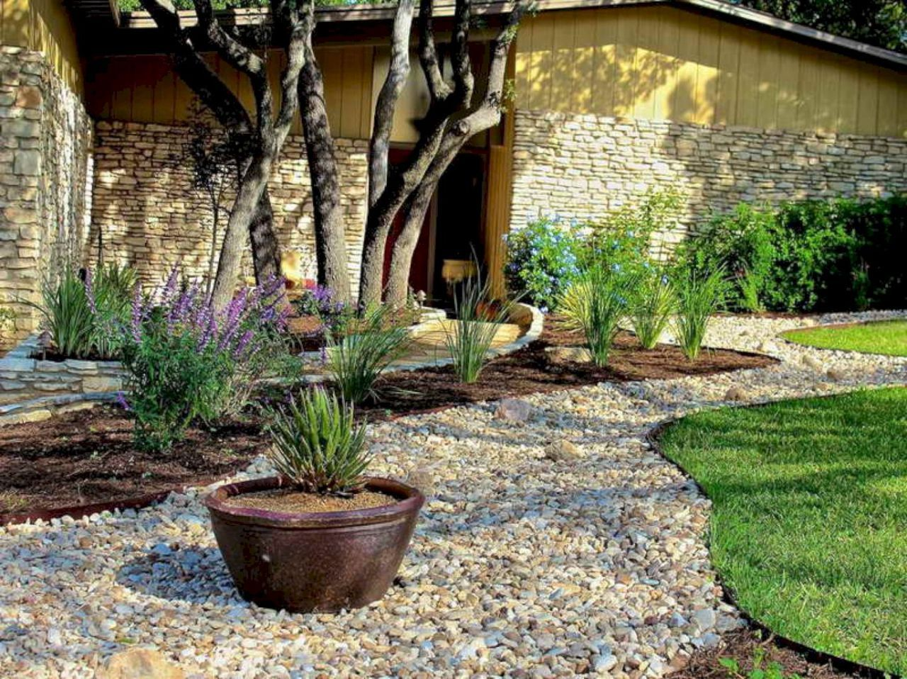 38 awesome front yard rock garden landscaping ideas   Rock ...