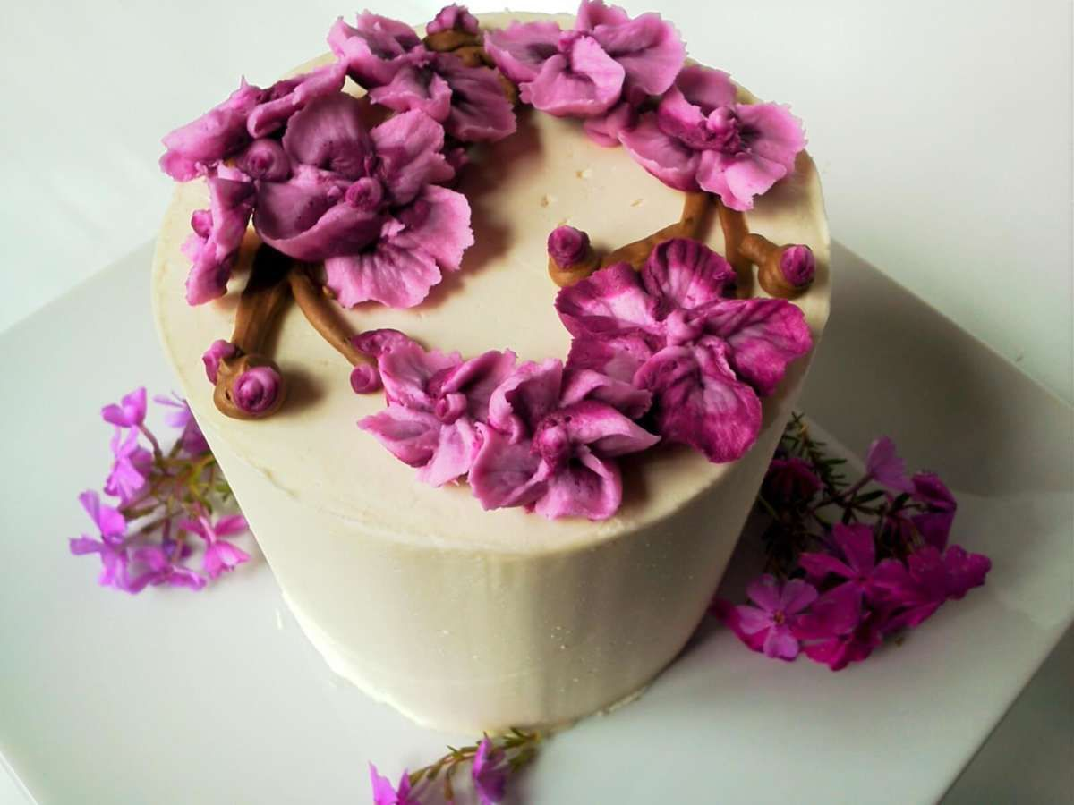 Custom Cakes Delivered Build A Cake Soulfully Yours Bakery Custom Cakes Cake Online Cake Flavors