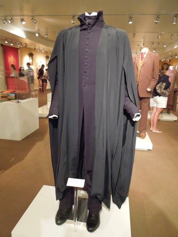 Magical Harry Potter Movie Costumes And Props On Display Original Film Costumes And Pr Harry Potter Severus Snape Harry Potter Severus Severus Snape Costume