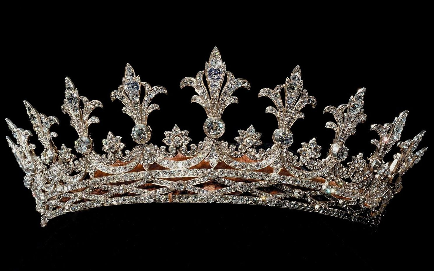 Hesse Diamond Tiara, Germany (1862; diamonds). Owned by Alice, Grand Duchess of Hesse and the Rhine.