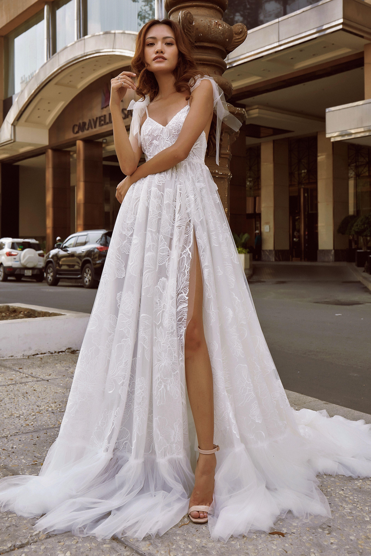 Split A Line Wedding Dress Floral Lace Flowy Skirt Summer Beach Wedding Dress Aline Wedding Dress Wedding Dresses Summer Wedding Dress Beach [ 5760 x 3840 Pixel ]