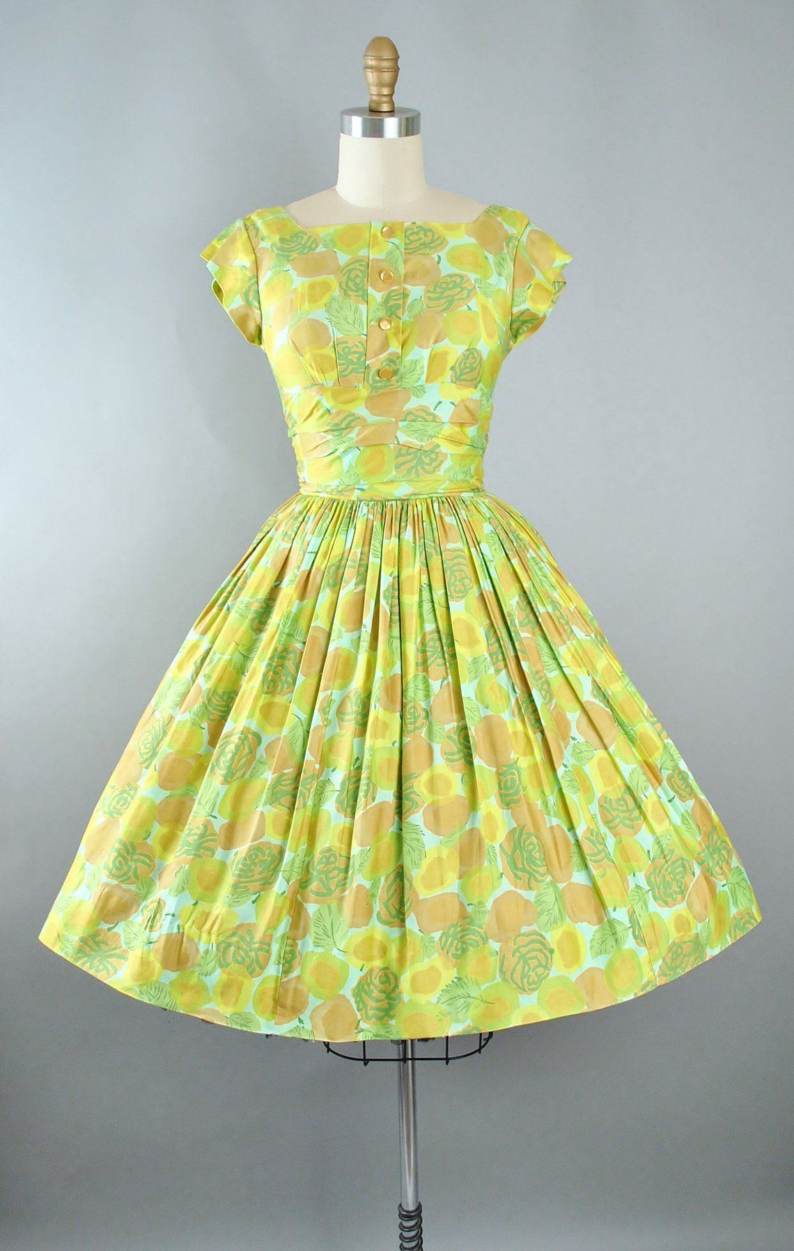 Vintage 50s Dress 1950s Cotton Sundress Green Floral Leaf Flower Swirl Print Full Swing Skirt Rockabilly Pinup Garden Picnic Party Xs Vintage Dresses 50s Dresses Vintage Dresses Online [ 1795 x 1140 Pixel ]
