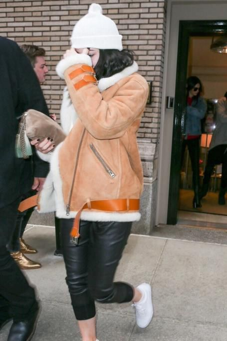 kylie jenner wearing vans old skool