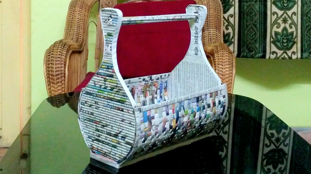 How To Make A Newspaper Rack Holder Iz Kartona Recycled Paper