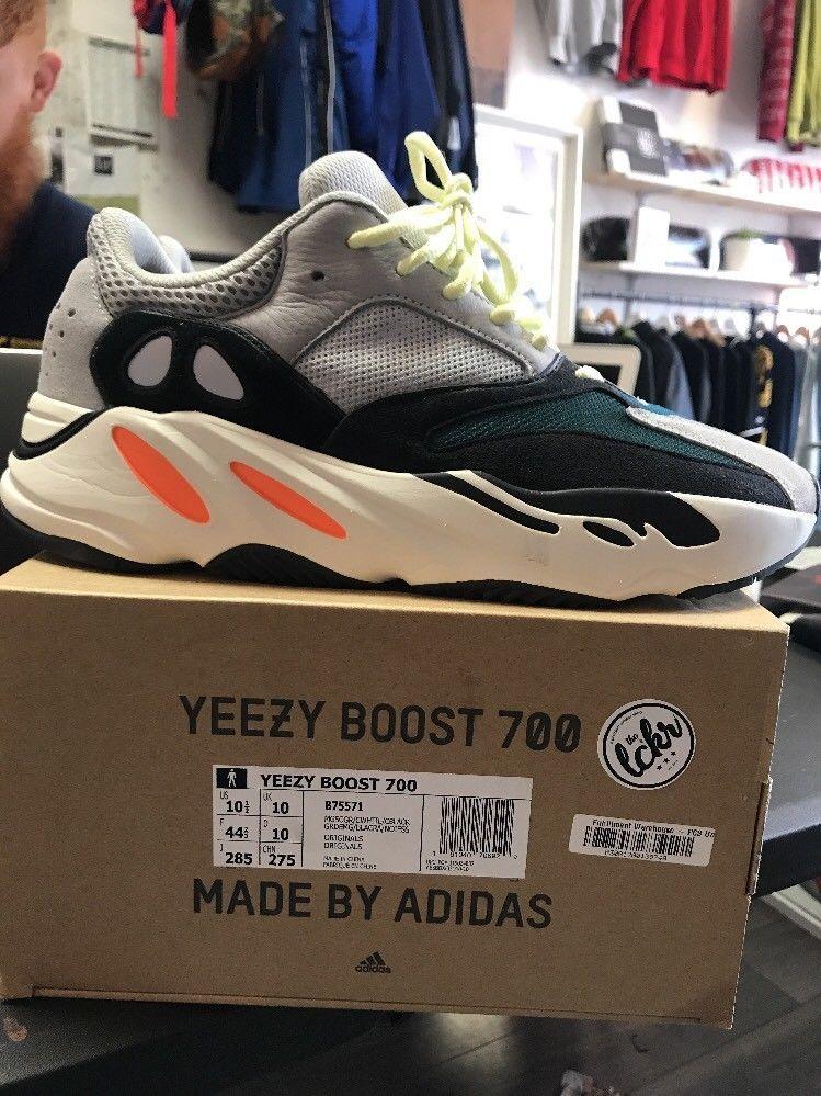 Yeezy Boost 700 Wave Runner Size 10.5
