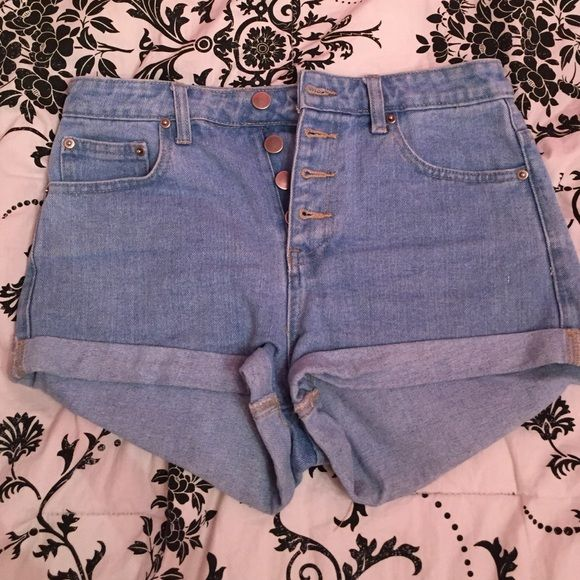 High waisted jean shorts Only worn a couple times, high wasted light wash jean shorts Forever 21 Shorts Jean Shorts