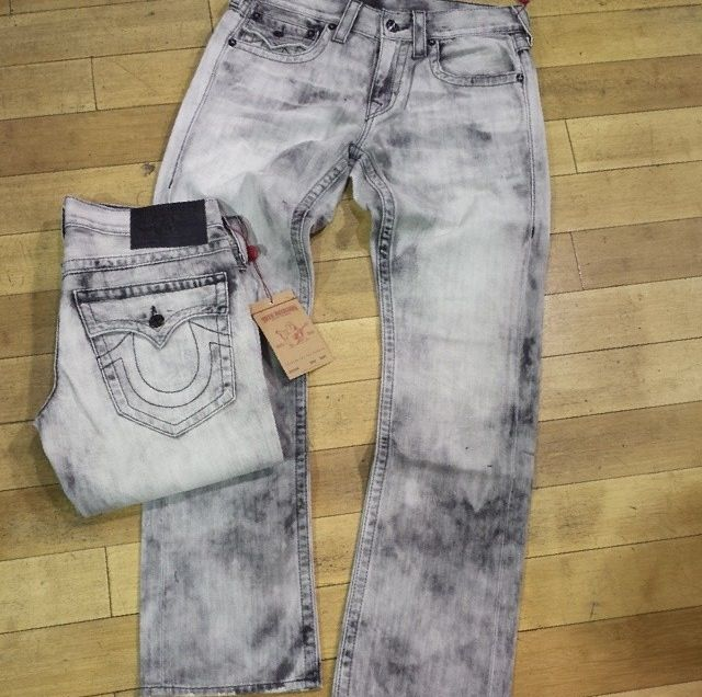 b2689c1b0a1 True Religion Stone Wash Jeans