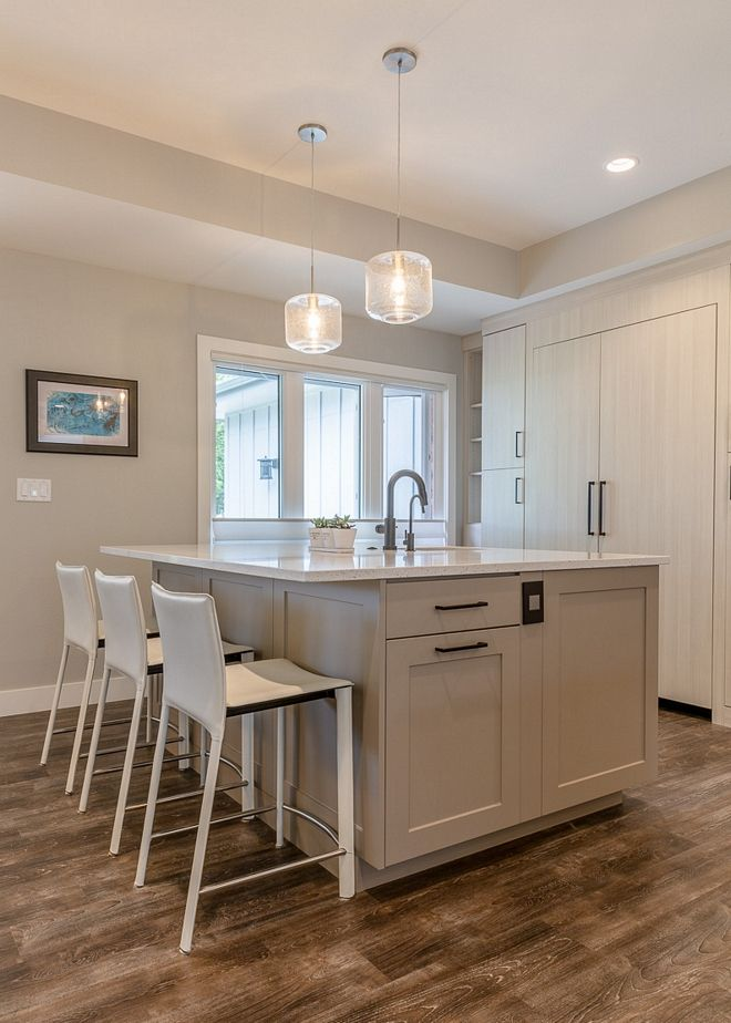 Best Benjmain Moore Stonington Gray Hc 170 Island Cabinetry Is 400 x 300
