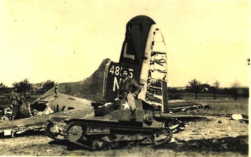 un tank CV33 aux couleurs américaines.