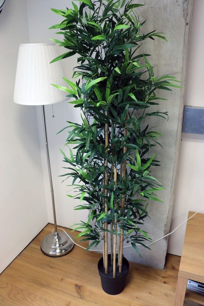 Plante Artificielle De Faux Vegetaux Plus Vrais Que Nature Archzine Fr Plantes Artificielles Plante Plastique Plante Verte Artificielle