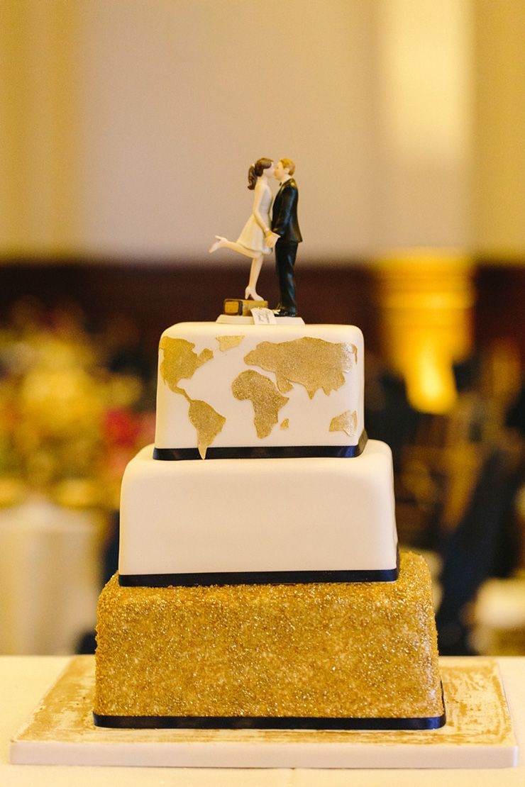 Blue and gold Travel themed wedding Cake | fabmood.com
