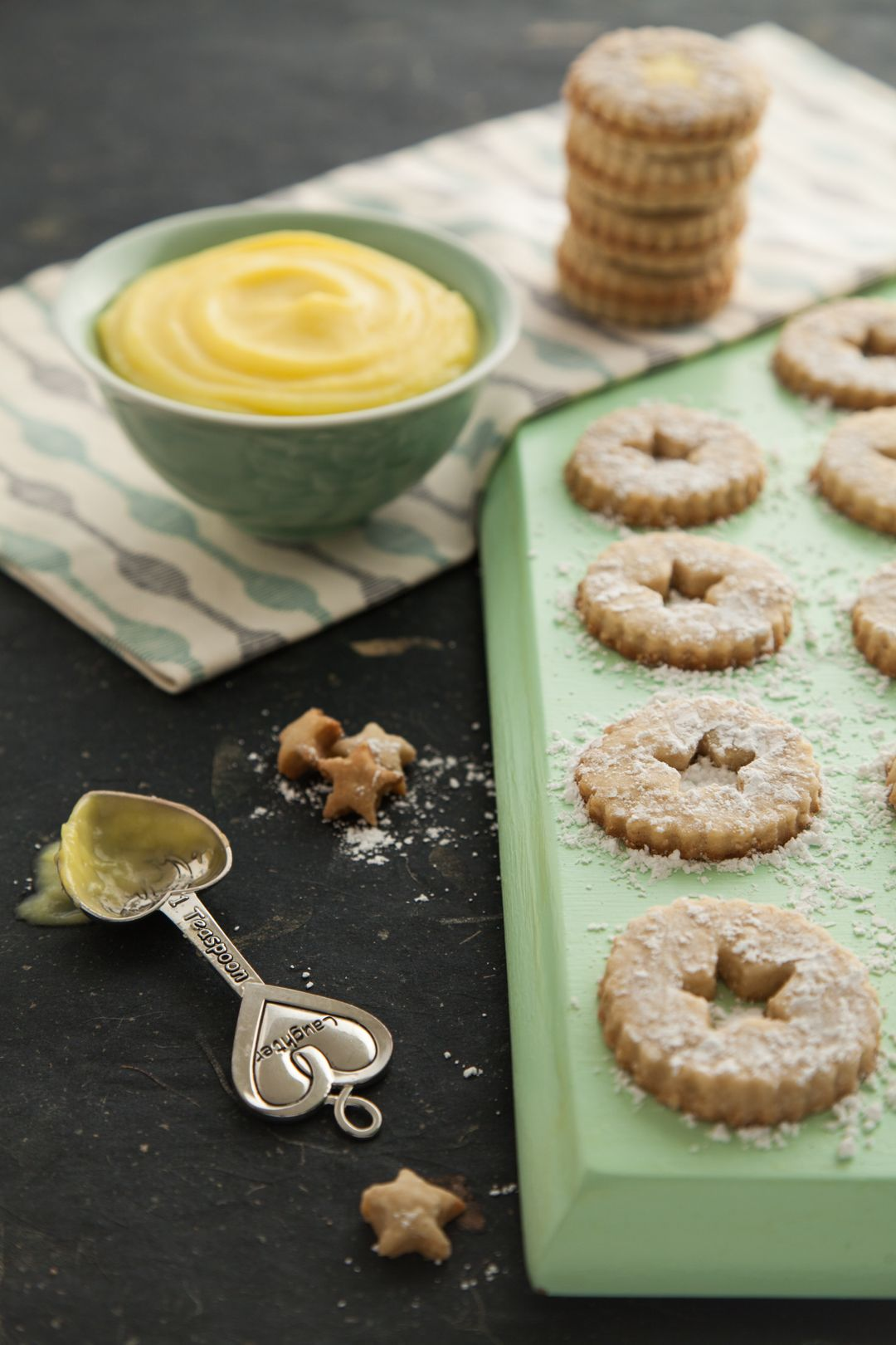 Lemon Meringue Almond Cookie Sandwich. http://www.brittanyleighmoser.com/blog