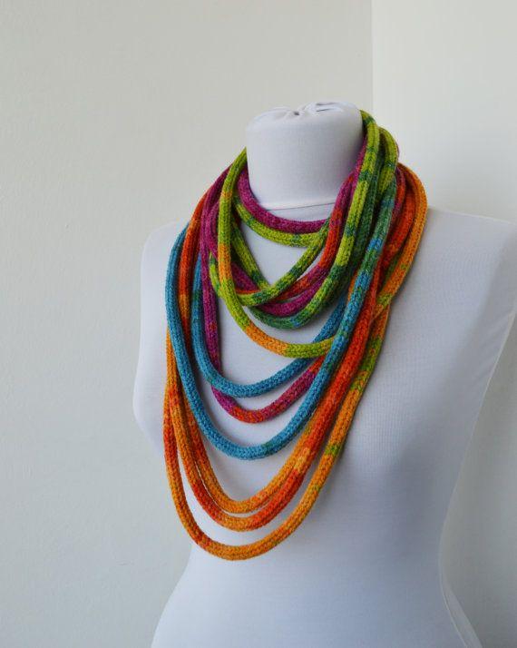 tricoter une echarpe collier