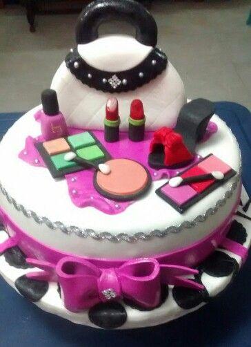Torta maquillaje para la mujer moderna