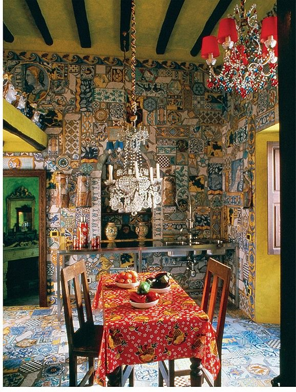 La cucina della casa di stromboli dei due stilisti dolce e for Arredamento della casa