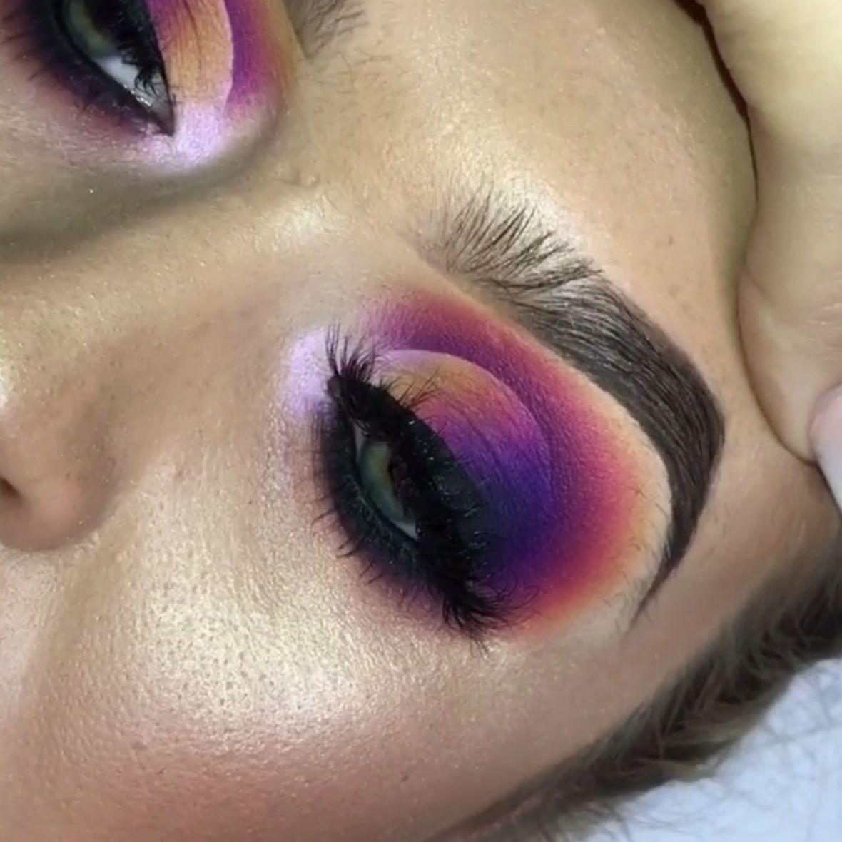 Pin by Bri Monèt on B E A T ♡ Green eyeshadow, Makeup