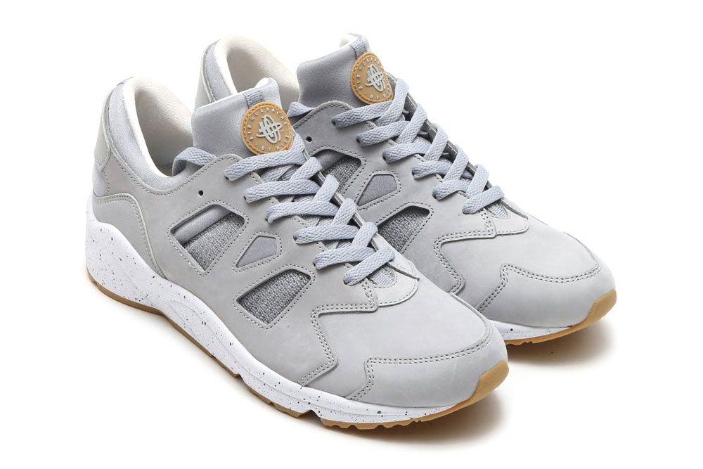 Mencionar La base de datos esencia  Nike Swaps OG Colorways of the Air Max 1 & Air Huarache   Nike air huarache,  Sneakers, Air huarache