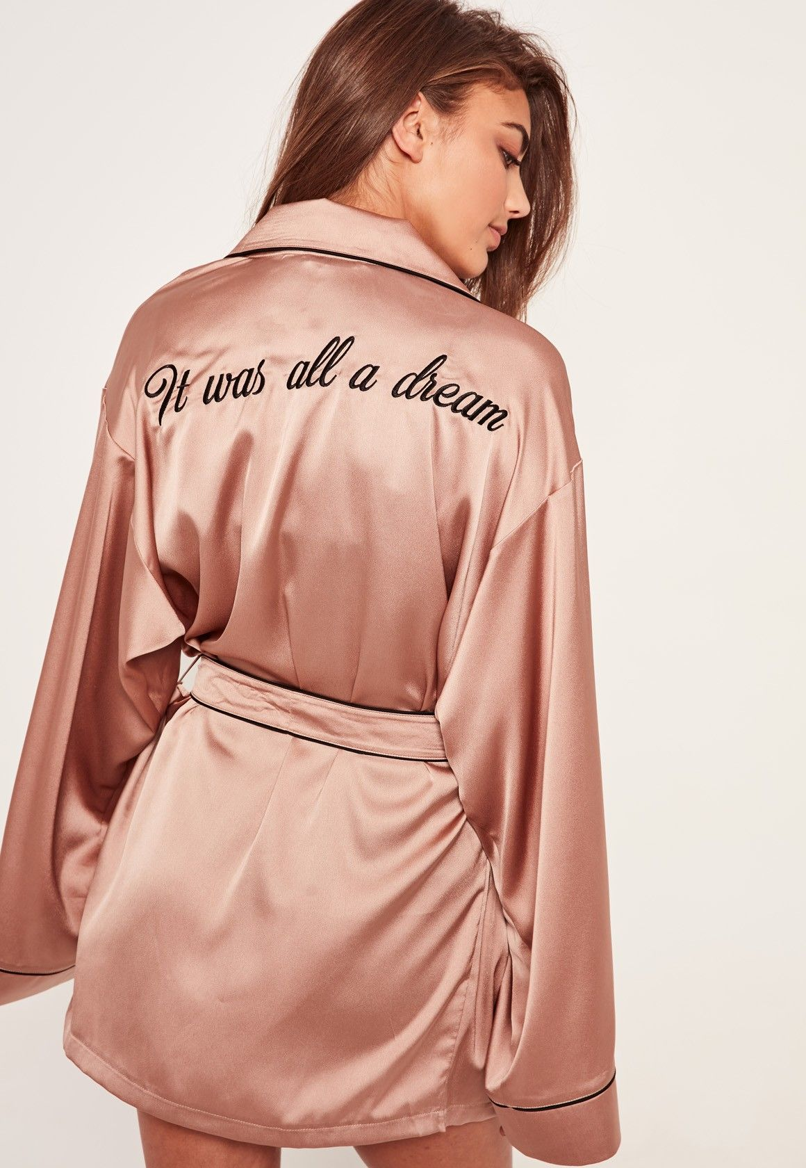 Missguided - Pink Slogan Contrast Piping Silk Robe  5e8bc8daa