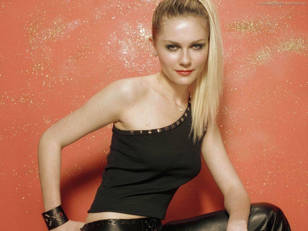 Kirsten Dunst - Photos et fonds d'écran: http://wallpapic.fr/celebrites/kirsten-dunst/wallpaper-8242
