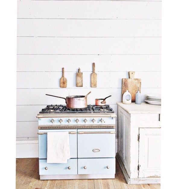 Lifestyle Dream Kitchen: Dreamy White Lifestyle's Cluny Range In Delft Blue