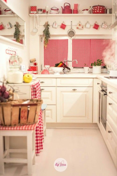 so cheerful with all the gingham in this little kitchen | Cottage ...