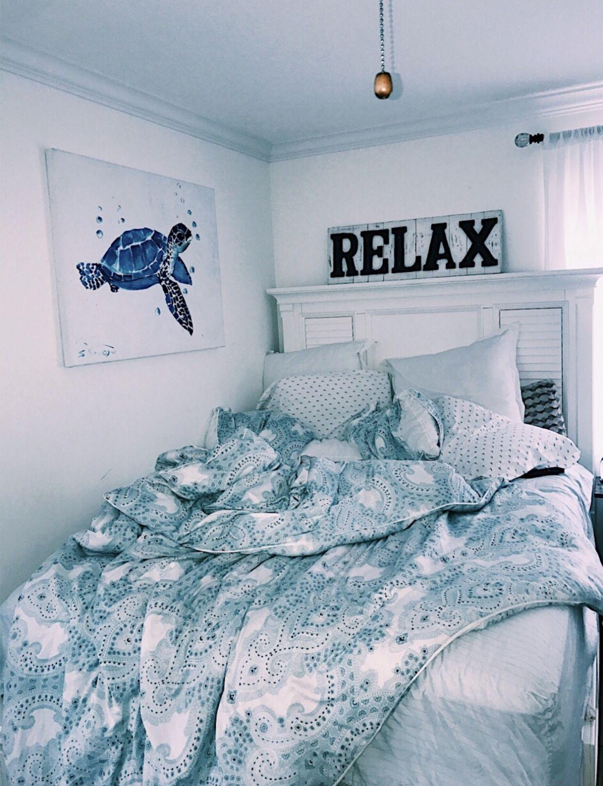 Acirc Vsco Chynamcghee Acirc In 2019 Aesthetic Bedroom Room Inspiration Bedroom Aesthetic Bedroom Dorm Room Decor