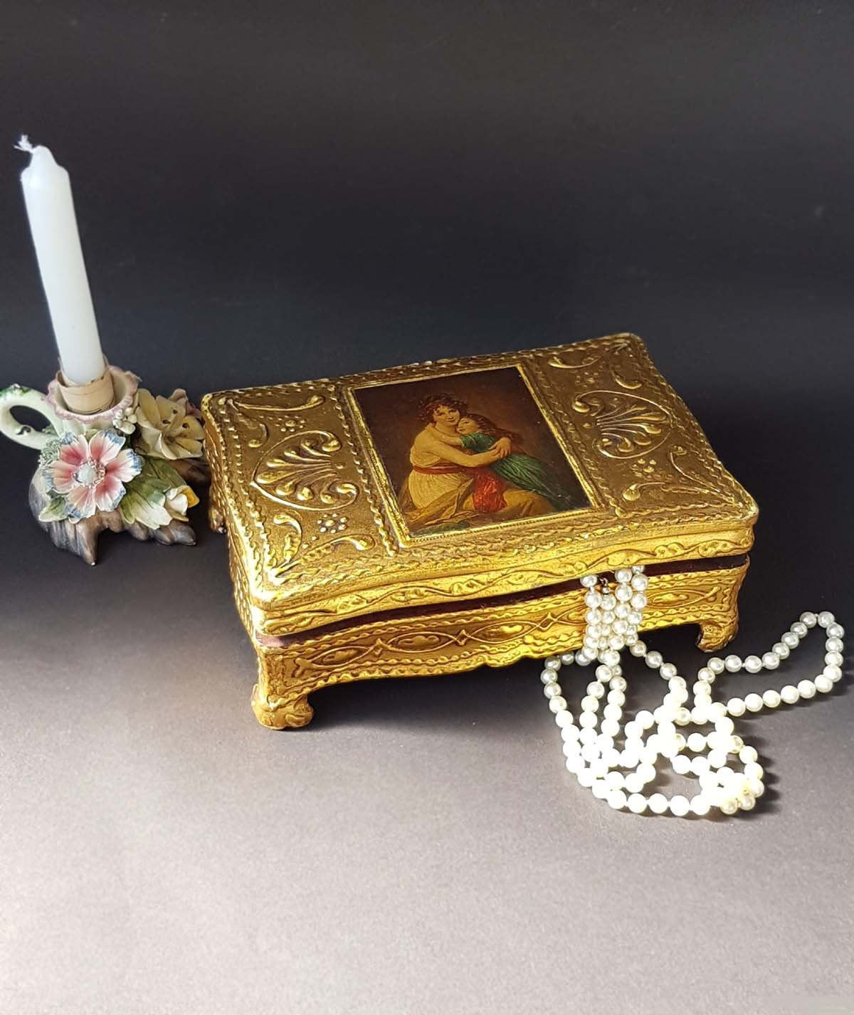 Vintage Gold and White Italian Florentine Trinket Box  Jewelry Box  Hollywood Regency  Home Decor