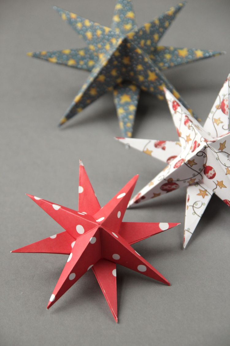 Christmas decorations using construction paper - Diy 3d Paper Star Christmas Decorations