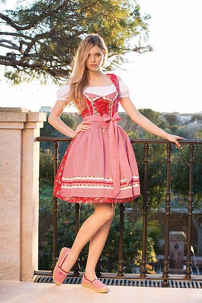 Krüger Dirndl Red Star 60er Länge rot Tracht Kleid Trachtenkleid Oktoberfest NEU