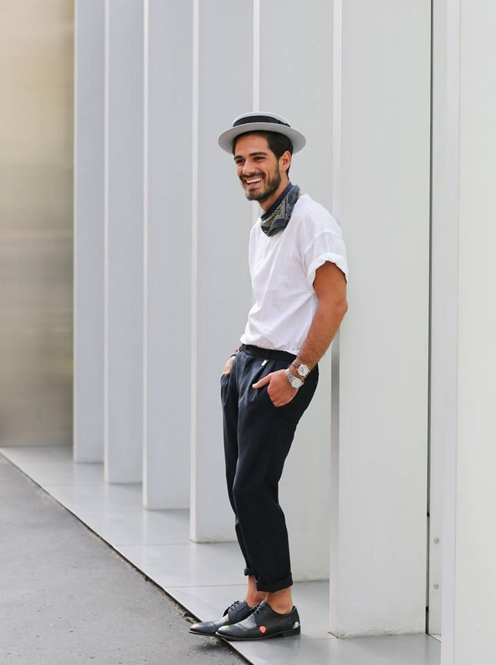 #youcancallmehitch #barneybarrett #minimalism #fashion #style #blackandwhite #bandana #streetstyle #malemodel #barney_barrett #giotto