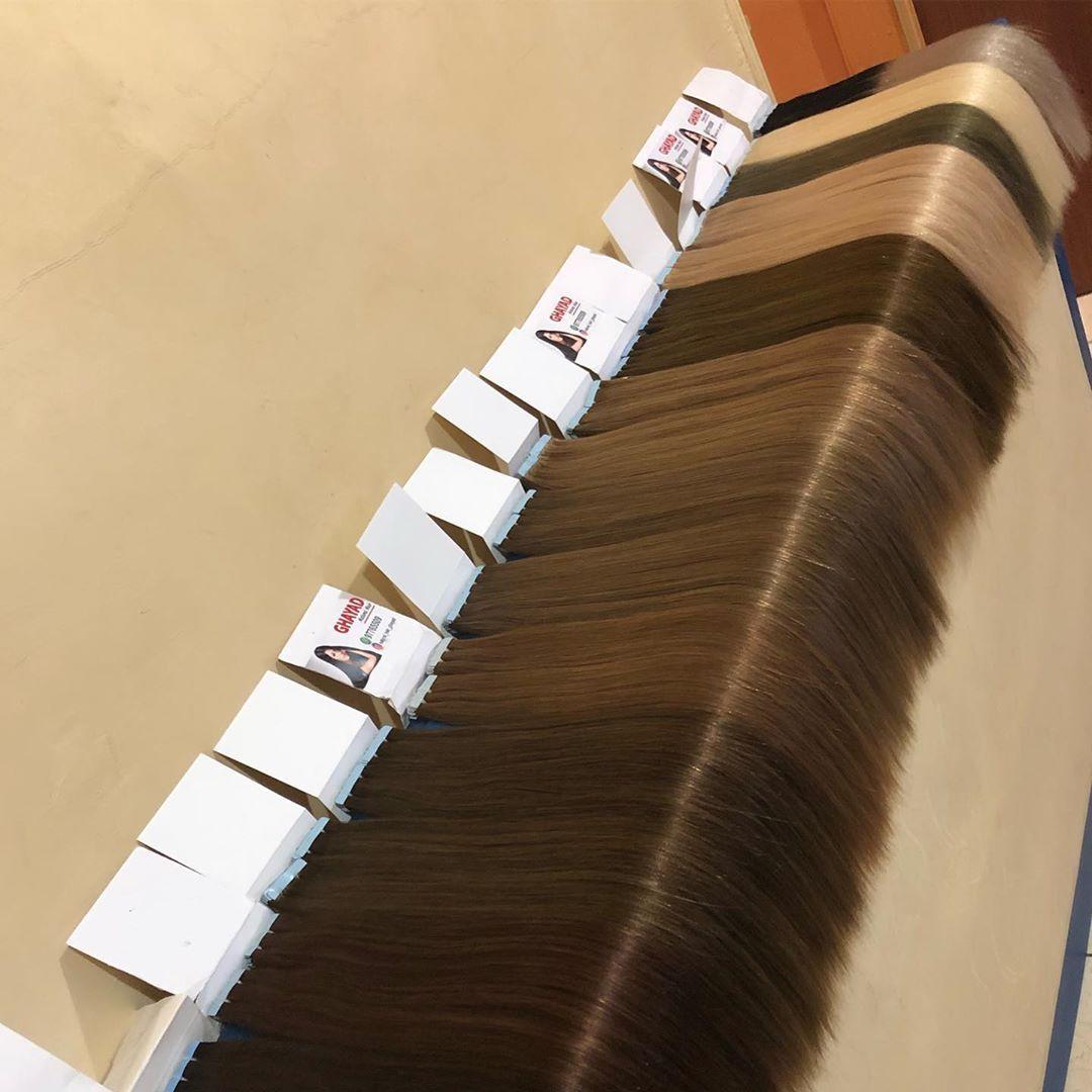 خصل تلصيق هندي طول ١٩ انش كثافة وحدة من فوق لتحت لطلب الشعر والأستفسار ٩٧٧٦٥٥٠٩ لأنه الذه A Hairstyle Hair Styles Style