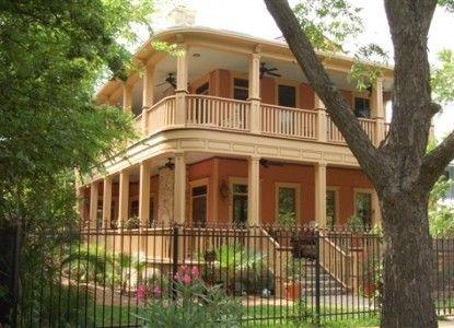 Beautiful House Austin Hyde Park Inn Austin Texas Bbonline Com House House Styles Beautiful Homes