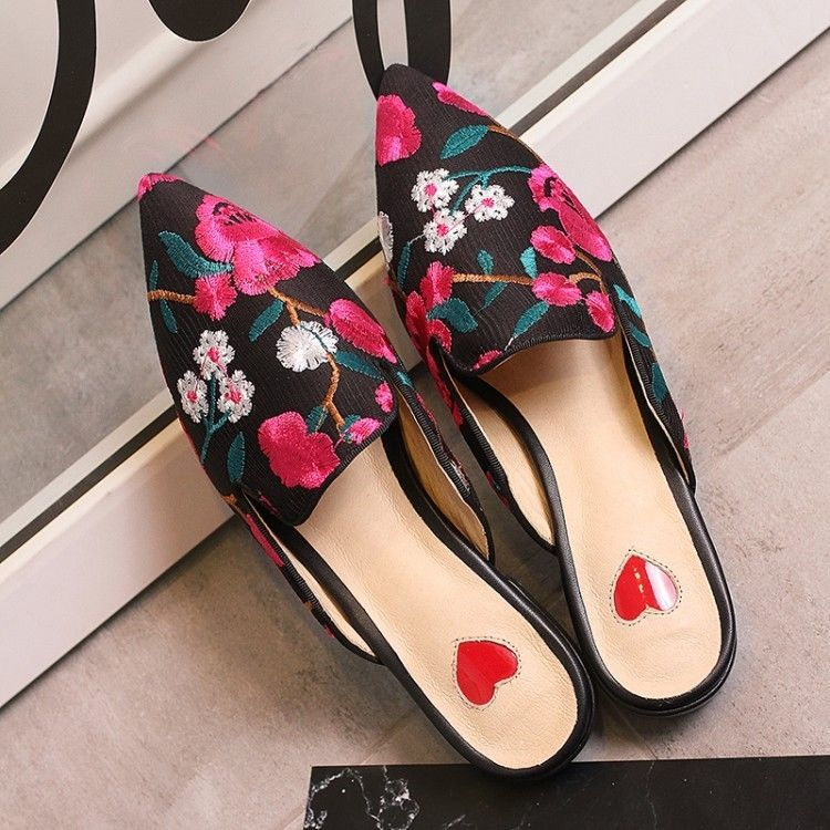 6e00e25526ff Embroidery Floral Cuban Heels Pointy Toe Fashion Womens Slipper Mules Shoes