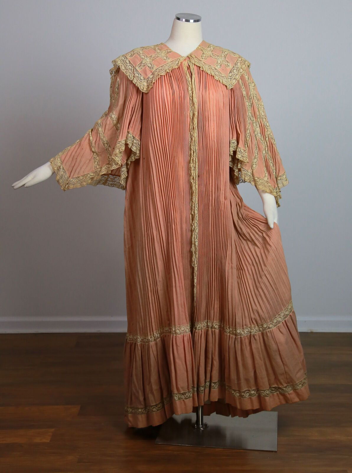 Antique Victorian C 1905 elaborate pleated wool and lace