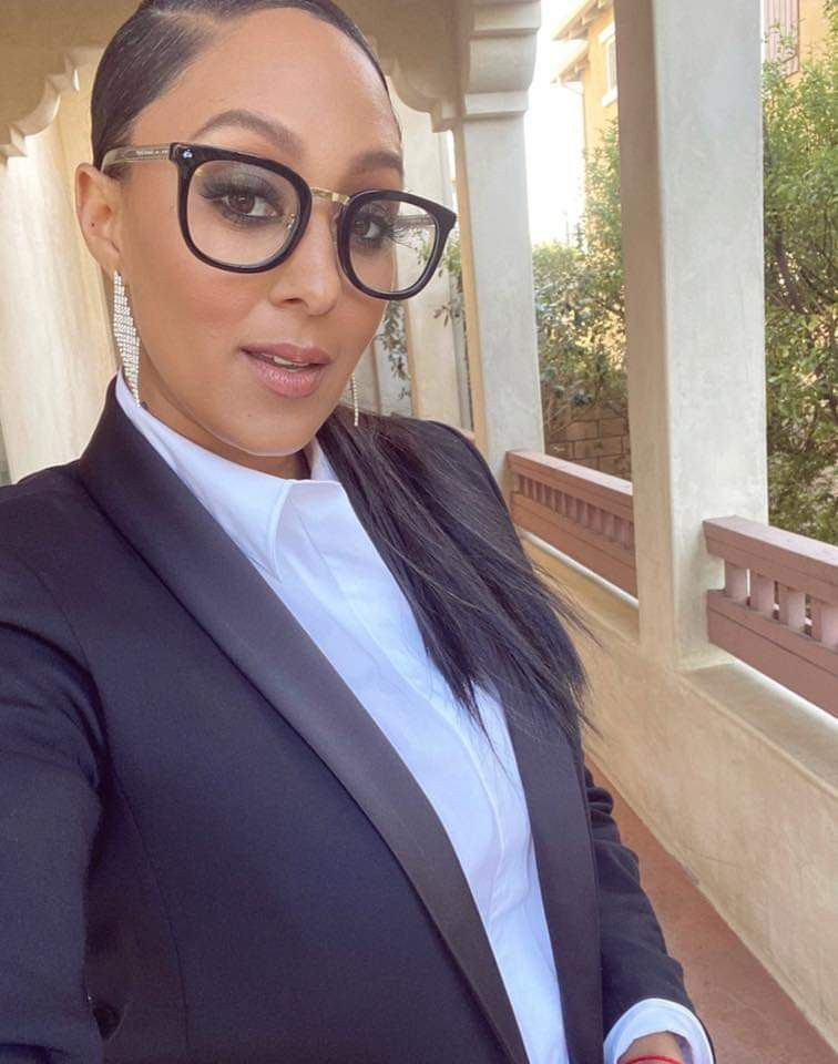 Tamera In 2020 With Images Glasses Tamera Mowry Eye Candy
