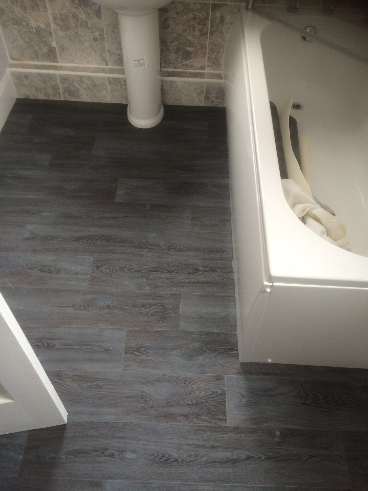Dark Grey Laminate Flooring Effect Vinyl Bathroom Flooring Grey Laminate Flooring Dark Grey Laminate Flooring Home Carpet