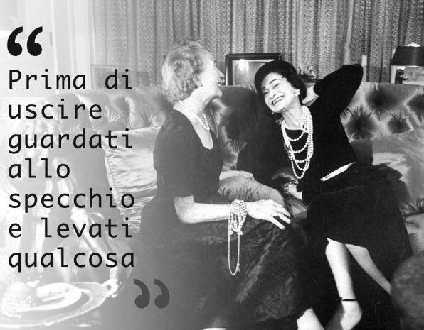 Adesivo Murale Con Una Classica Frase Di Coco Chanel Coco Chanel
