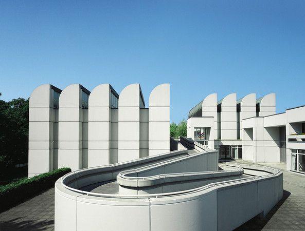 Das Bauhaus-Archiv/Museum für Gestaltung in Berlin (1976-79), Architekten: Walter Gropius, Alex Cvijanovic und Hans Bandel, Foto: Karsten Hintz /  © 2015 VG Bild-Kunst, Bonn