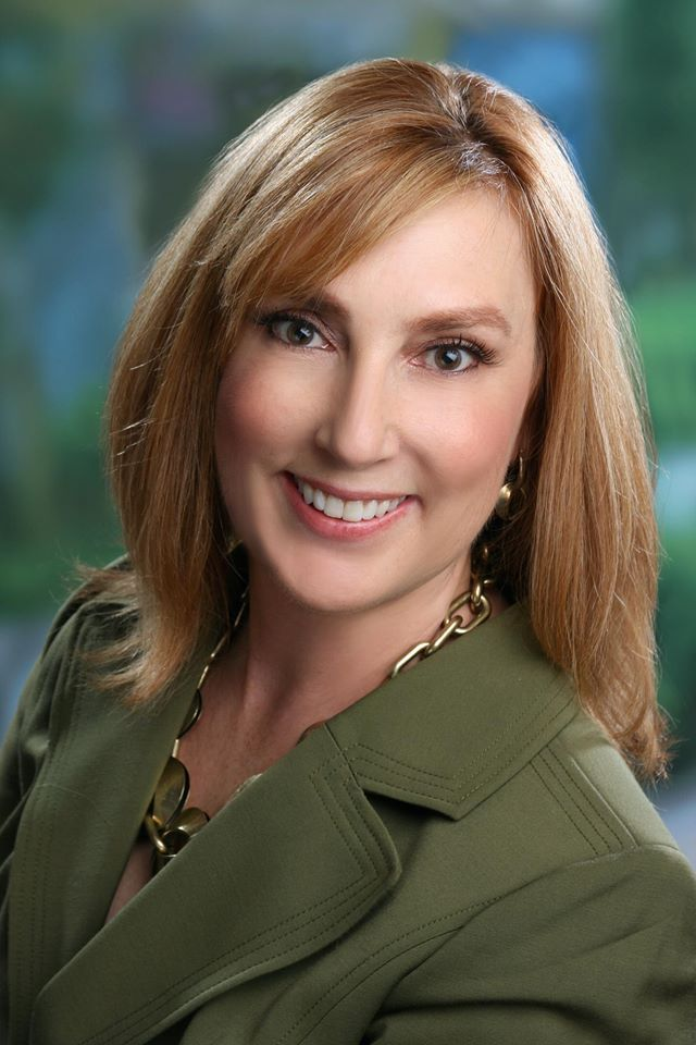 Debbie Seidel-Bittke, R.D.H. is an accomplished dental consultant who has a good online training class.