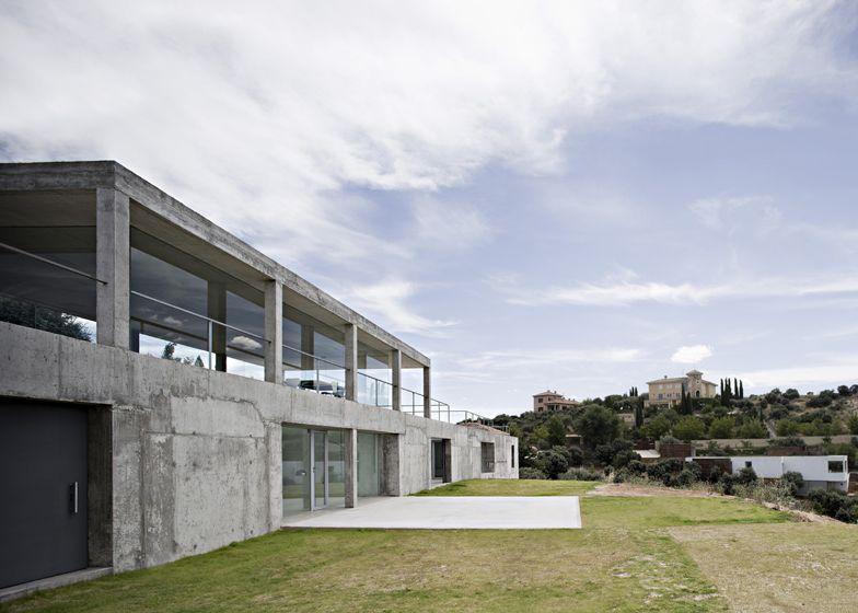 Arquitectura Ornamento Y Obsesion Casa De Campo En Los Montes De Toledo Losas Macizas Toledo Puertas De Paso