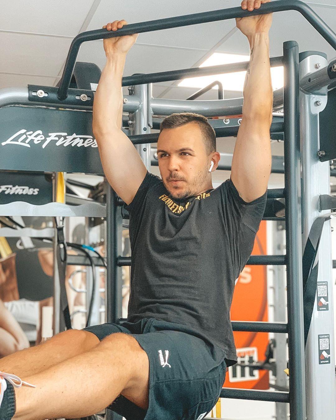 #transformation #fitnessstudio #fitfamgerman #strandkrper #definieren #abnehmen #training #muskeln #...