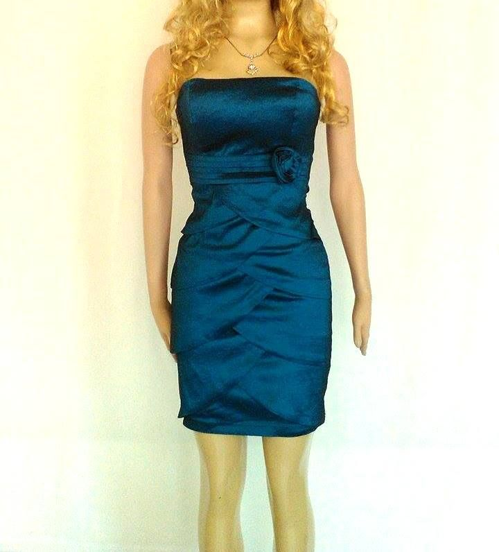Vestidos de noche en color azul petroleo