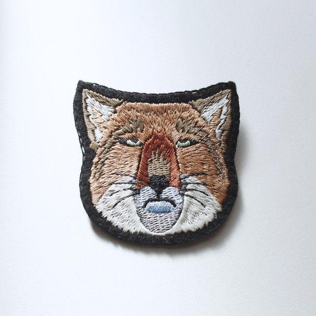 チベットスナギツネの刺繍ブローチ♥再再販(受注生産)