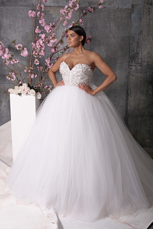 Christian siriano bridal spring fashion show christian