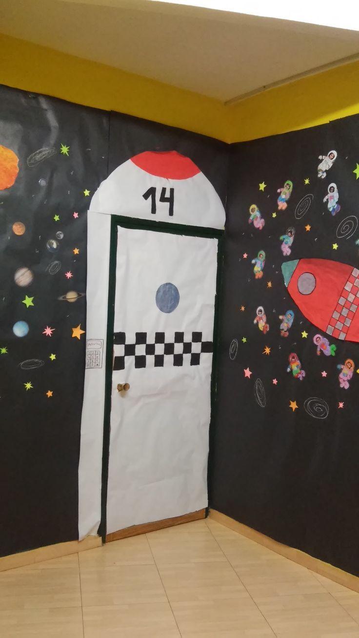 Puertas decoradas universo buscar con google proyecto for Decoracion de espacios para ninos