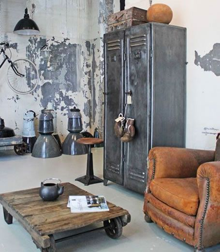 les 25 meilleures id es de la cat gorie vestiaire industriel sur pinterest banc vestiaire. Black Bedroom Furniture Sets. Home Design Ideas